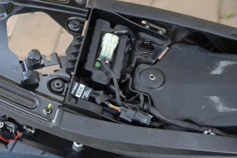 Einbau Ducati Performance Alarmanlage M5 696-796-1100 - Fokus auf ...