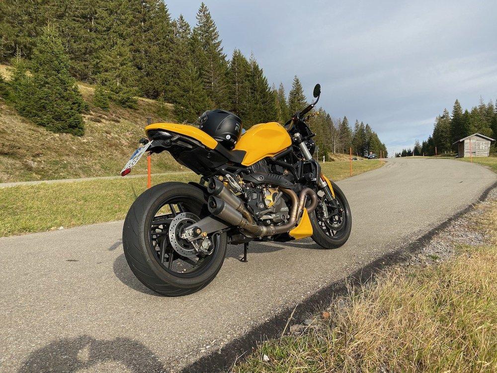 Moto21 - 1.jpeg