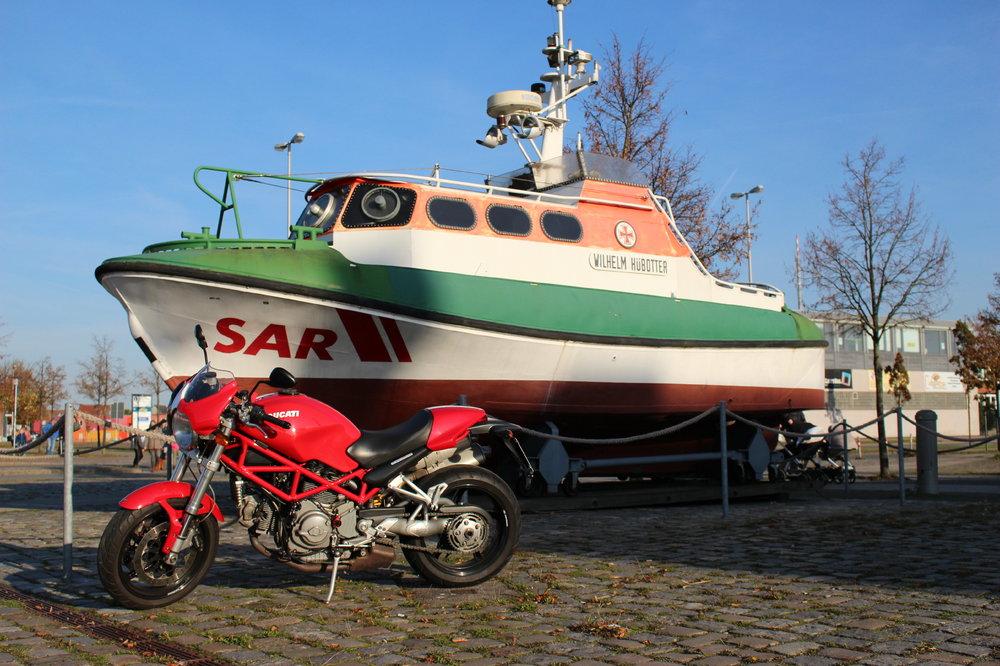 beautyandtheboat.JPG